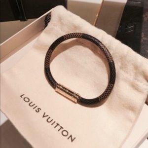 Fashion bracelet. Damier